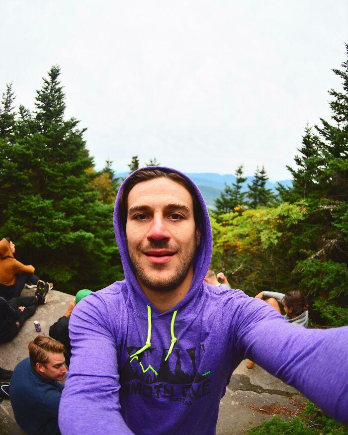 He subido al tercer pico más alto de los Catskills para mi despedida de soltero. En total, mi convoy y yo caminamos más de 25 kilómetros