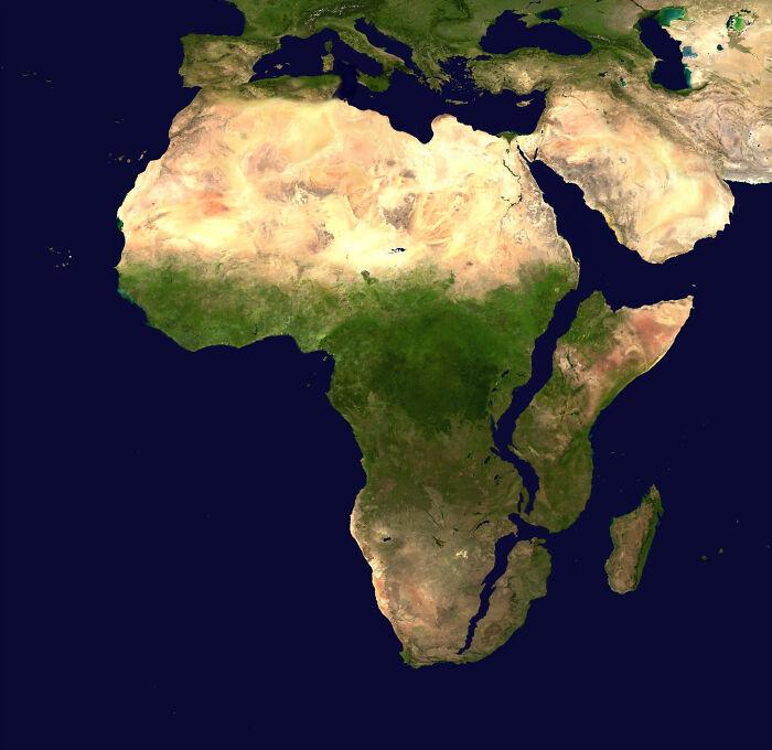 África, 10 millones de años después. (Basado en predicciones y datos actuales)