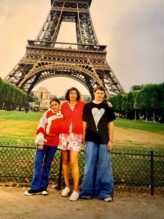 My Mom Just Wanted A Nice Picture In Paris