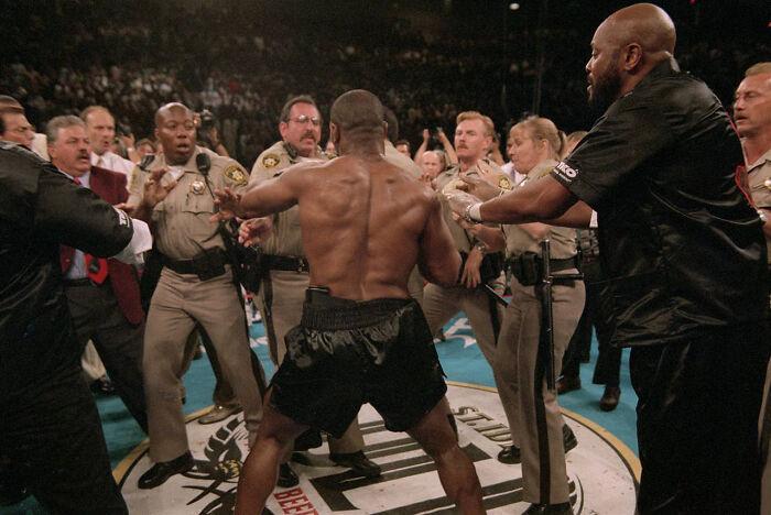 Las Vegas Police Facing Mike Tyson After He'd Just Bitten Holyfield's Ear Off (1996)