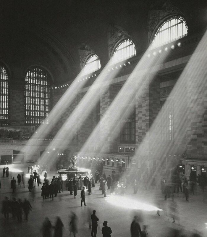 Grand Central Terminal, NYC, The Sun Can't Shine Through Like That Now Due To The Surrounding Tall Buildings. 1929