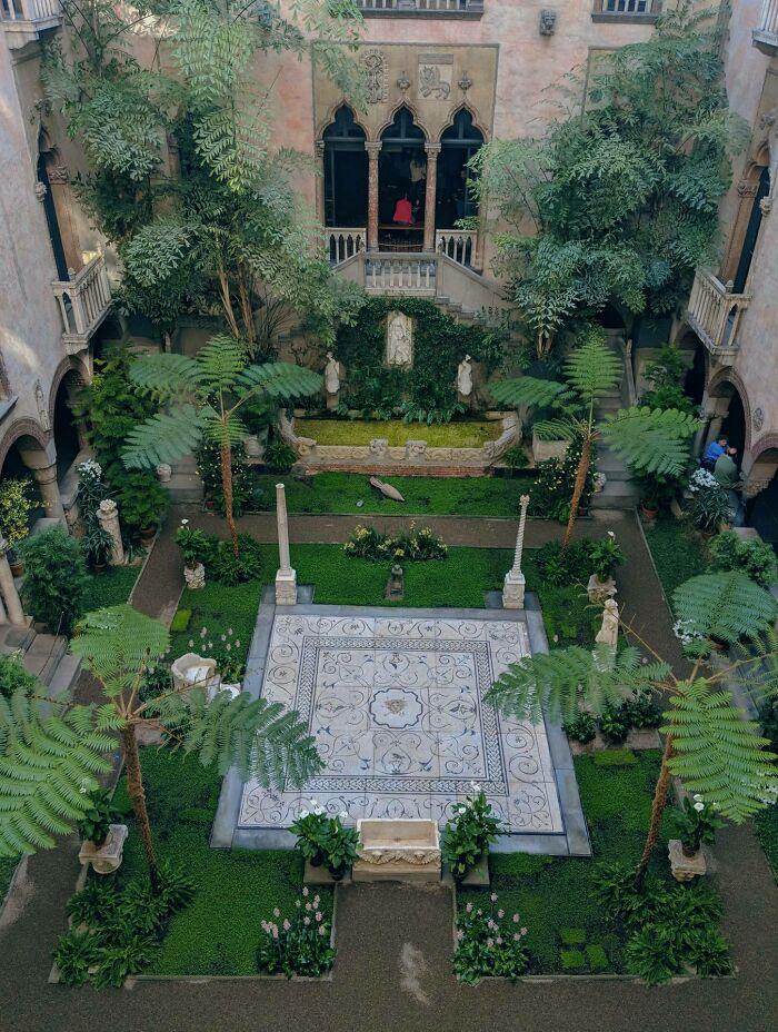 Museo de Isabella Stewart Gardner, 2018