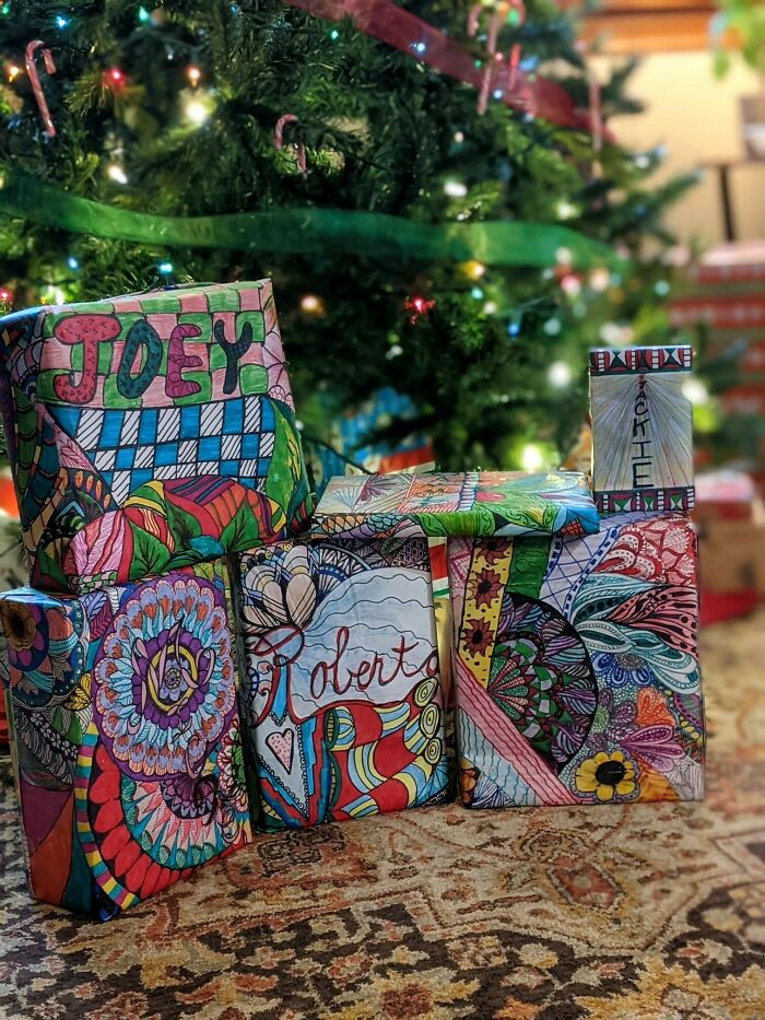 Mi abuela dibujó a mano todo su papel de regalo