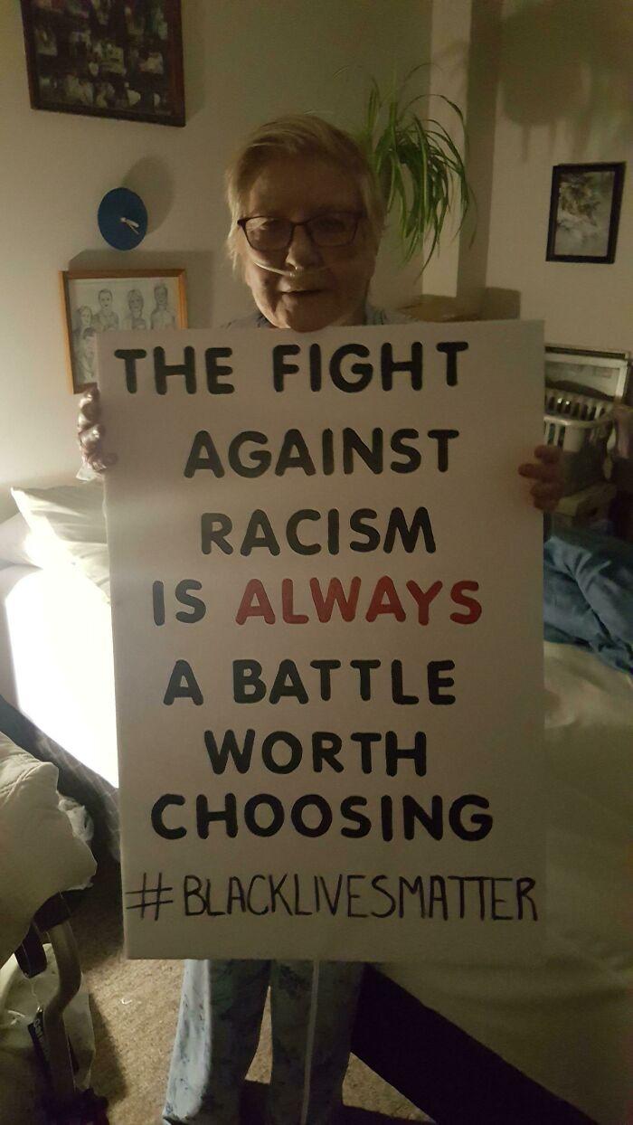 Mi abuela no puede protestar en la calle, pero quiere mostrar su solidaridad y apoyo