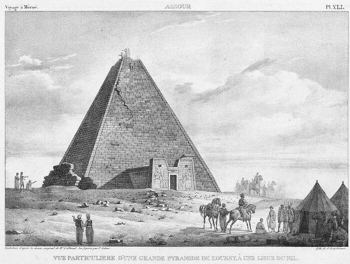 Pirámide N6 de 2000 años de antigüedad en Sudán, demolida en el siglo XIX por un cazador de tesoros italiano