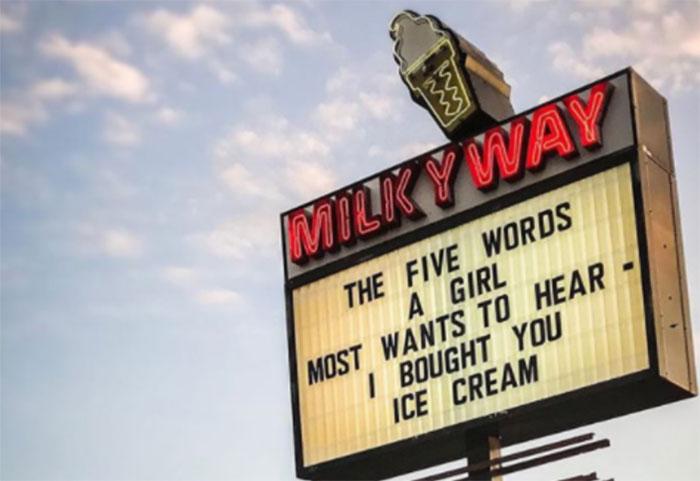 Ice-Cream-Shop-Signs-Milkyway