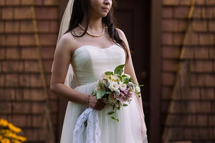 bride parents feud small wedding 0 609e2d77421ba 700