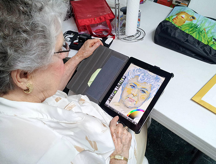 """Bought My Grandma An iPad. She's 84 And Never Had A Tablet, And Wanted It For """"Art"""". I Bought ArtRage For Her And Left Her Alone With Her New Toy For 30 Minutes"""