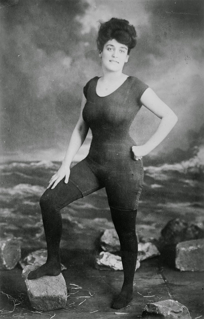 Annette Kellerman Promotes Women's Right To Wear A Fitted One-Piece Bathing. She Was Arrested For Indecency (1907)