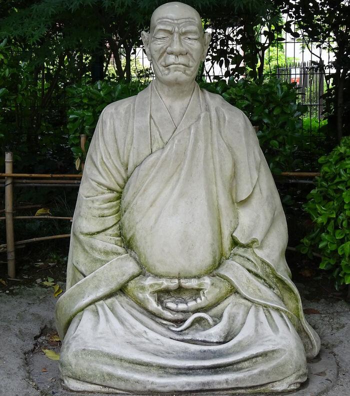 China Prohibits Unauthorized Buddhist Monks' Reincarnation