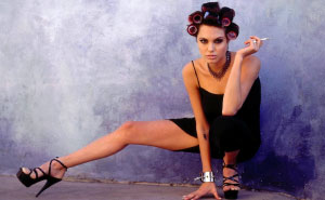 Young And Seductive Angelina Jolie In Marcel Indik's 1995 Photoshoot (37 Pics)