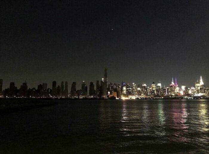 Foto de mi amigo del apagón de Nueva York