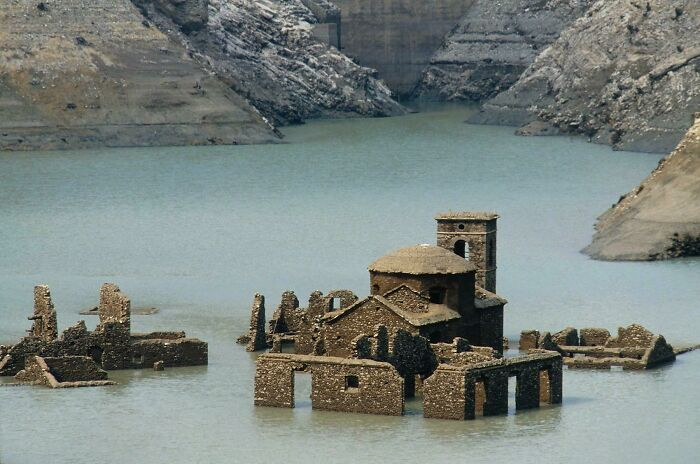 """A """"Ghost Village"""" Resurfacing In Italy"""