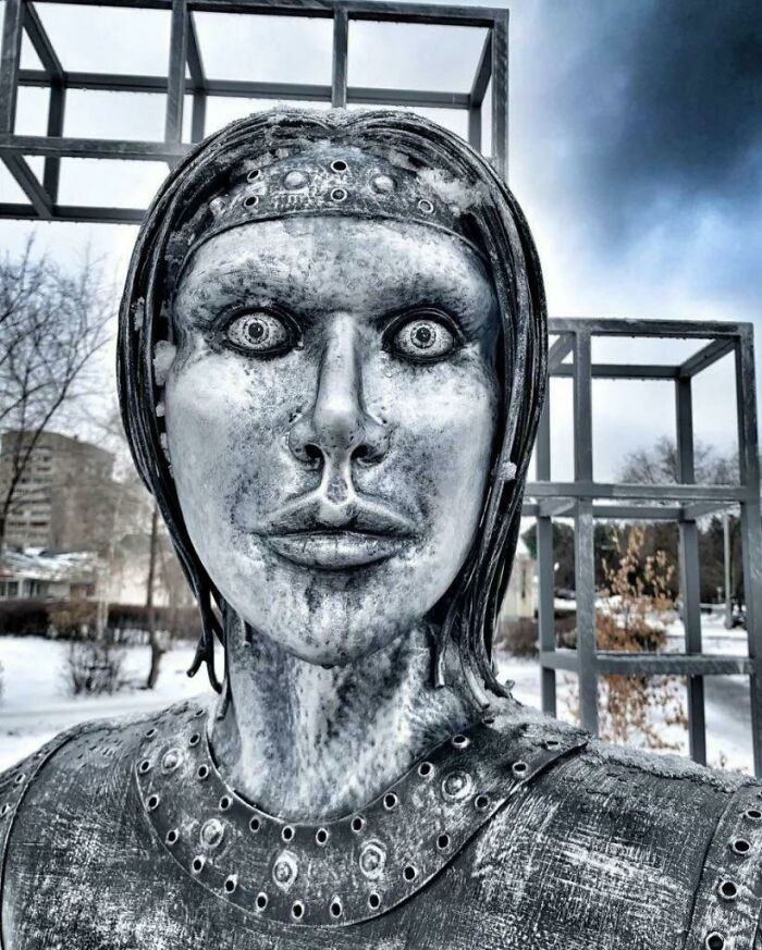 Esta estatua en Novovoronezh, Rusia