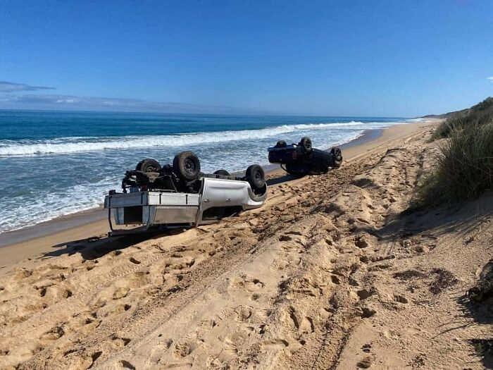 Two Idiots Take Their 4x4s Sunbathing On The Beach