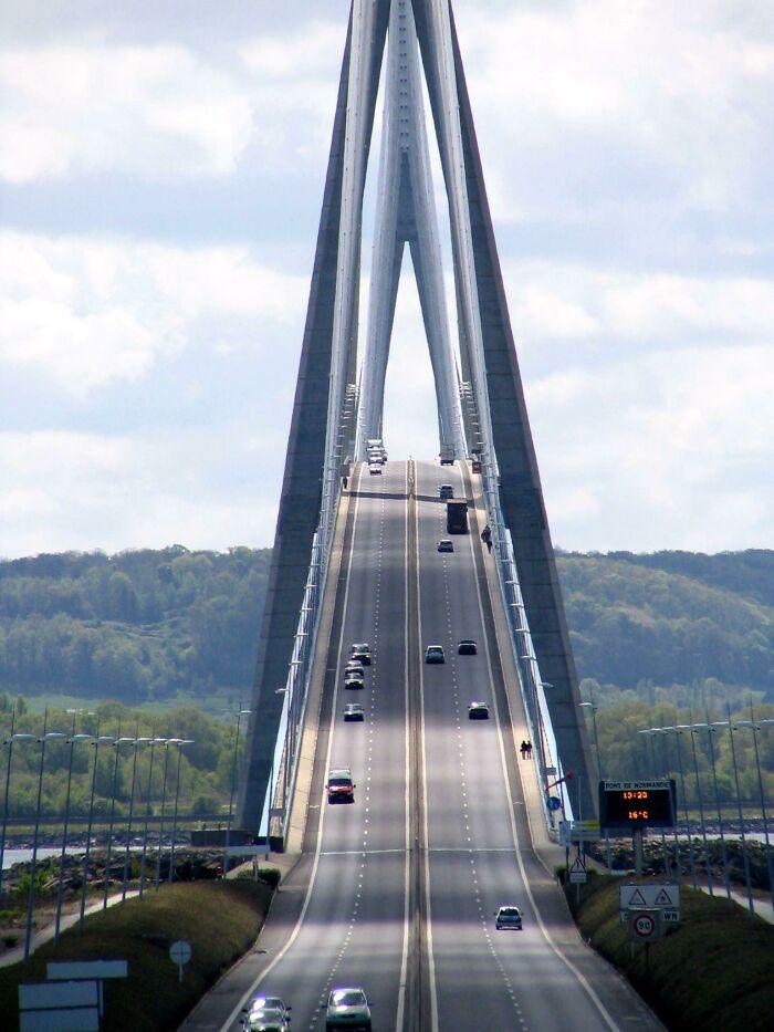 Puente de Normandía, Francia
