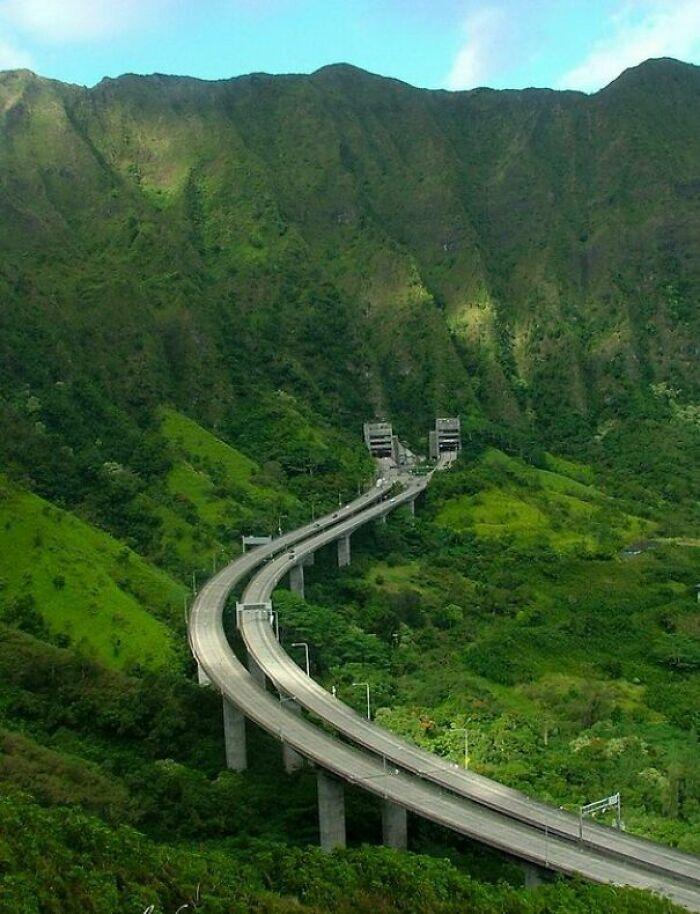 Interstate H-3- Oahu, Hawaii