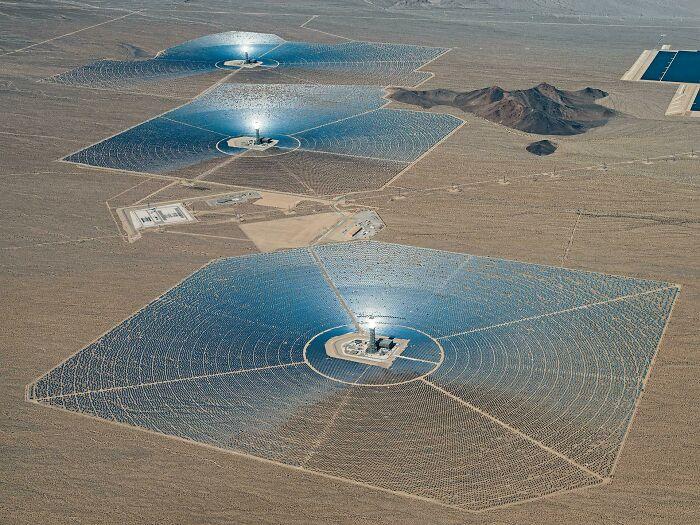 Plantas de energía solar en Estados Unidos fotografiadas por Bernhard Lang