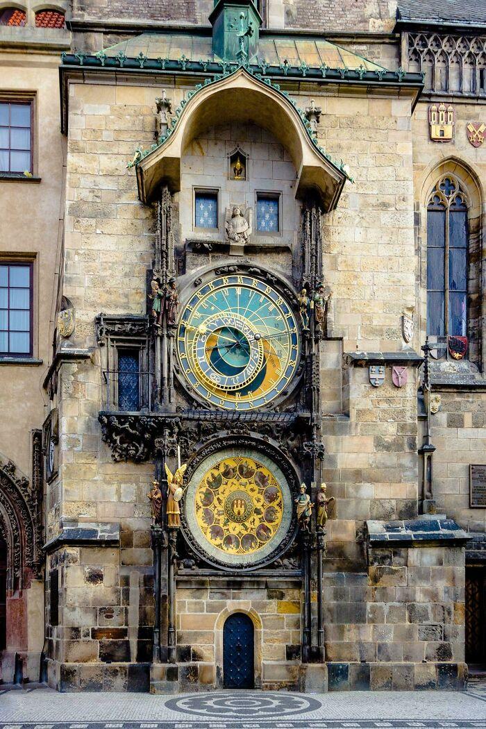 Un reloj de 600 años situado en Praga es el reloj astrológico más antiguo del mundo que sigue funcionando