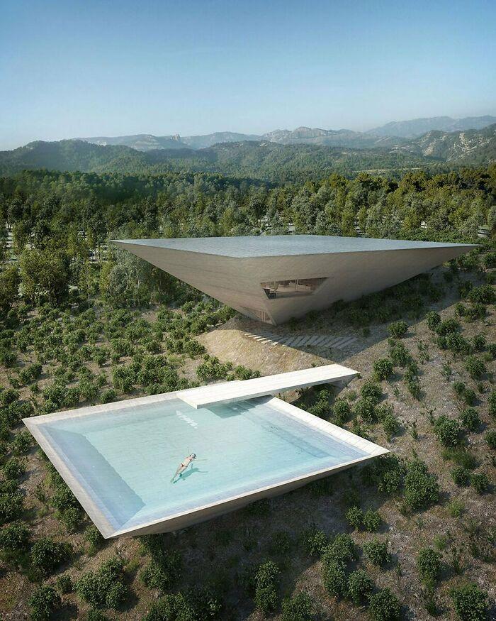 La casa de la pirámide invertida en España