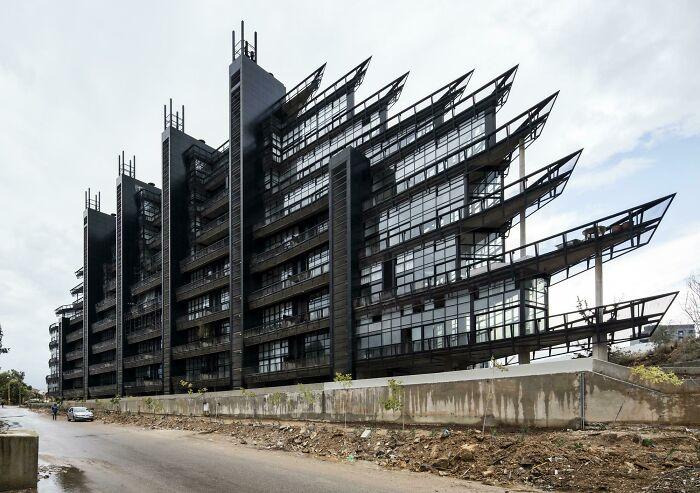 Parcela #1282, un edificio residencial en Beirut diseñado por Bernard Khoury