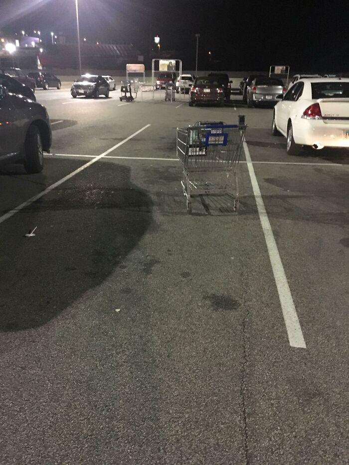 La gente que hace esto con sus carros de supermercado