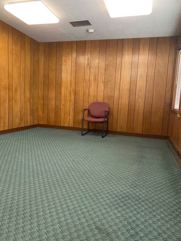 My Friend Was Tested For Covid, This Is The Room He Waited In