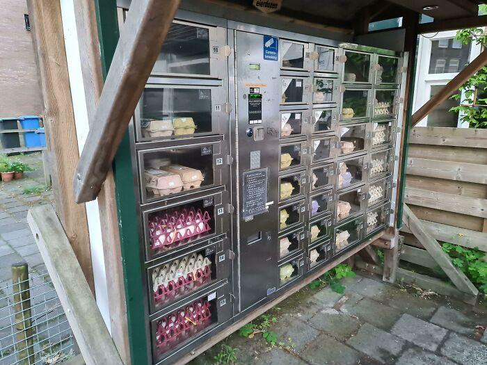 Soy de los Países Bajos y tenemos máquinas expendedoras de huevos