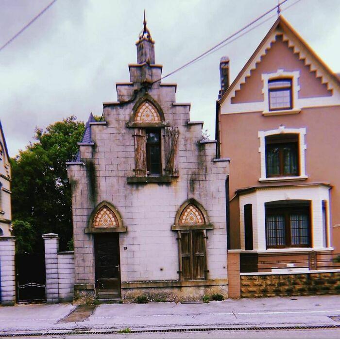 Vecinos, todos necesitan vecinos góticos