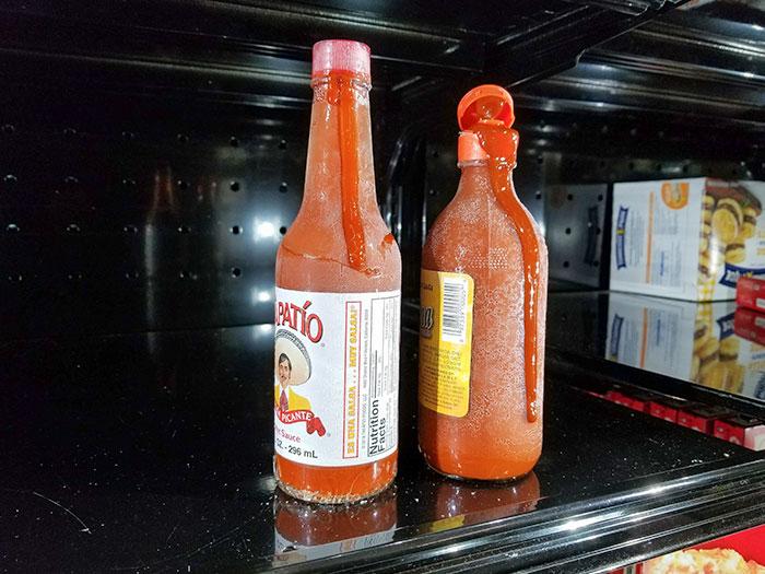 La gente que abandona sus comestibles no deseados en el congelador, haciendo que exploten y se vuelvan invendibles