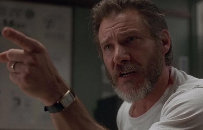 En El Fugitivo [1993], Harrison Ford (en el papel del Dr. Kimble) no recibió un guión para la escena del interrogatorio. Sus respuestas y su creciente frustración con los detectives fueron improvisadas para que parecieran más genuinas
