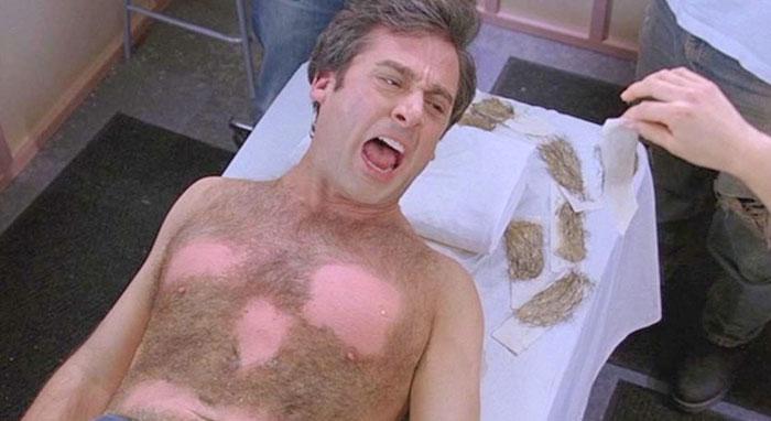 Steve Carell en Virgen a los 40 realmente se depiló el pecho y esos gritos de agonía son genuinos