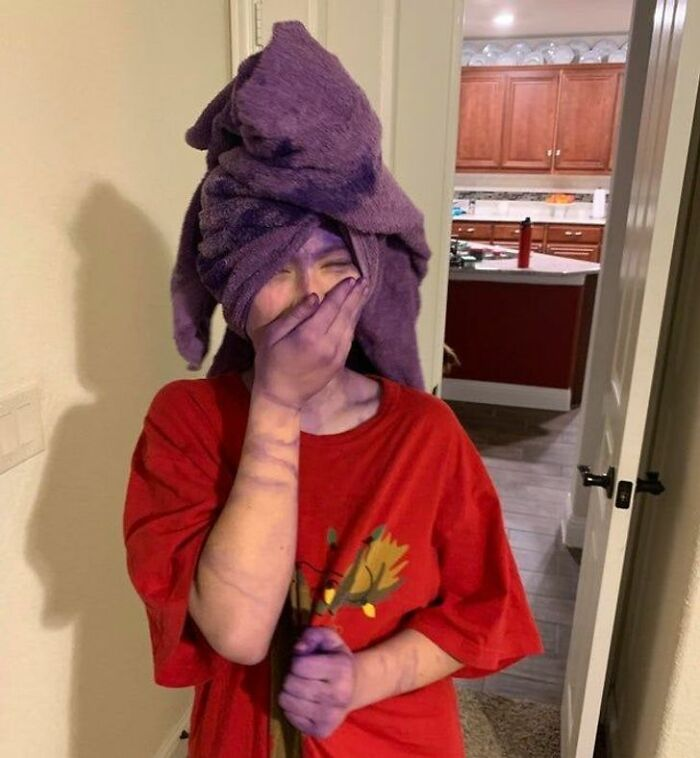 2021 Dad Of The Year: I Told Her To Shower Instead Of Rinsing Her Hair Out, Right After Dyeing It