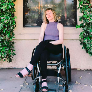 A Viral Video Of A Woman Crying Because Her Wheelchair Got Broken On A Flight Is Breaking People's Hearts