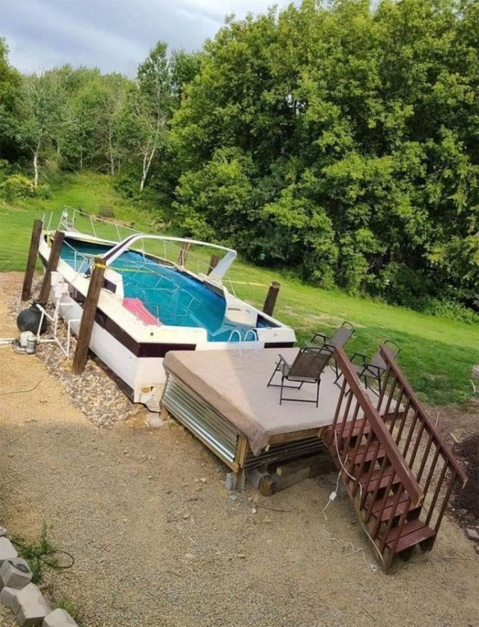Barco viejo como piscina