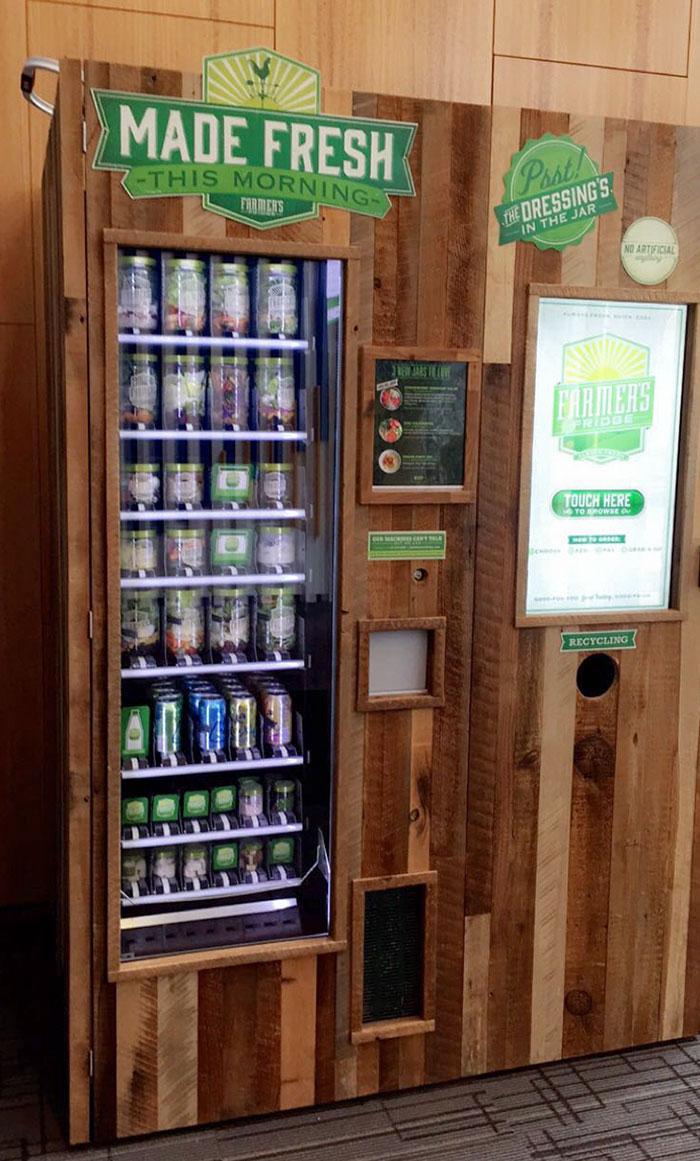 La oficina de mi médico tiene una máquina expendedora de ensaladas