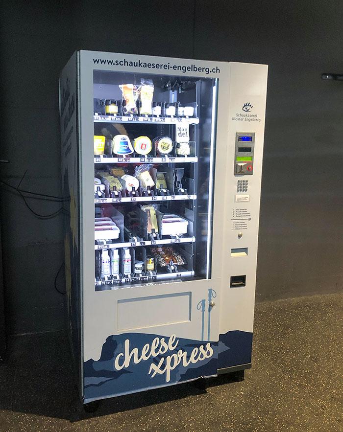 Aquí en Suiza, tenemos máquinas expendedoras sólo para vender queso