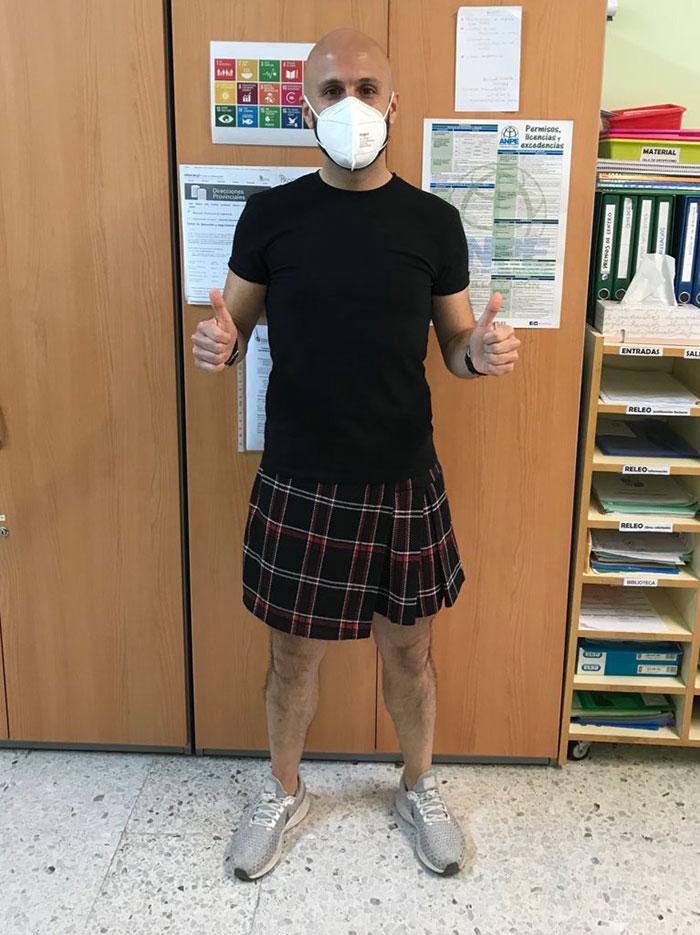 male teachers wearing skirts expelled student 3 60b5d1fec5157 700