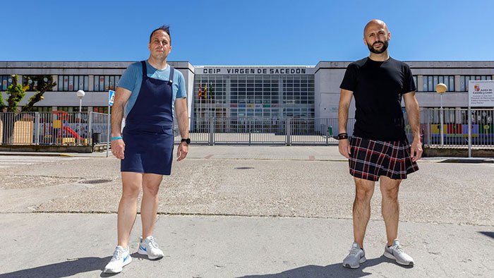 male teachers wearing skirts expelled student 4 60b5d200d917d 700