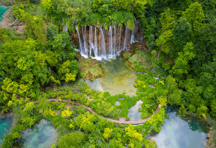 My 19 Pictures Of Waterfalls, Lakes, And Rivers In Croatia (19 Pics)