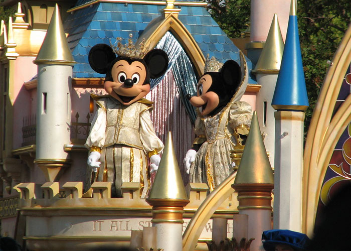 30 Of The Spiciest Work Secrets Shared By Former Disney Theme Park Employees
