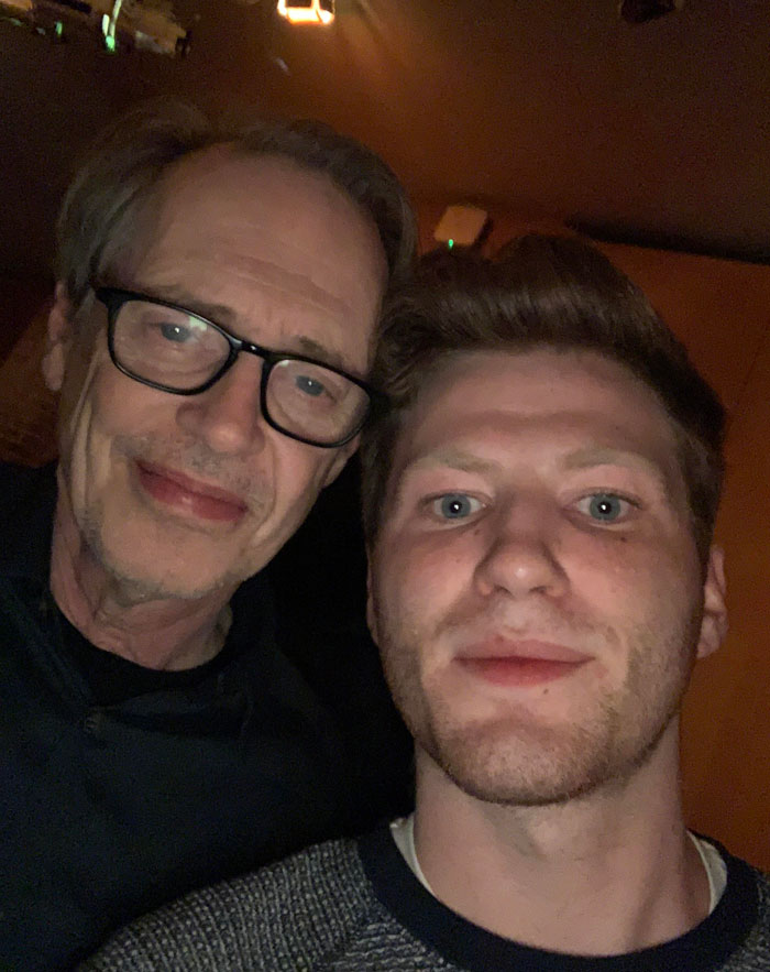 Just Met Steve Buscemi And Told Him He Was A Reddit Legend And He Wasn't Sure What That Meant But He Said He Was Happy About It!