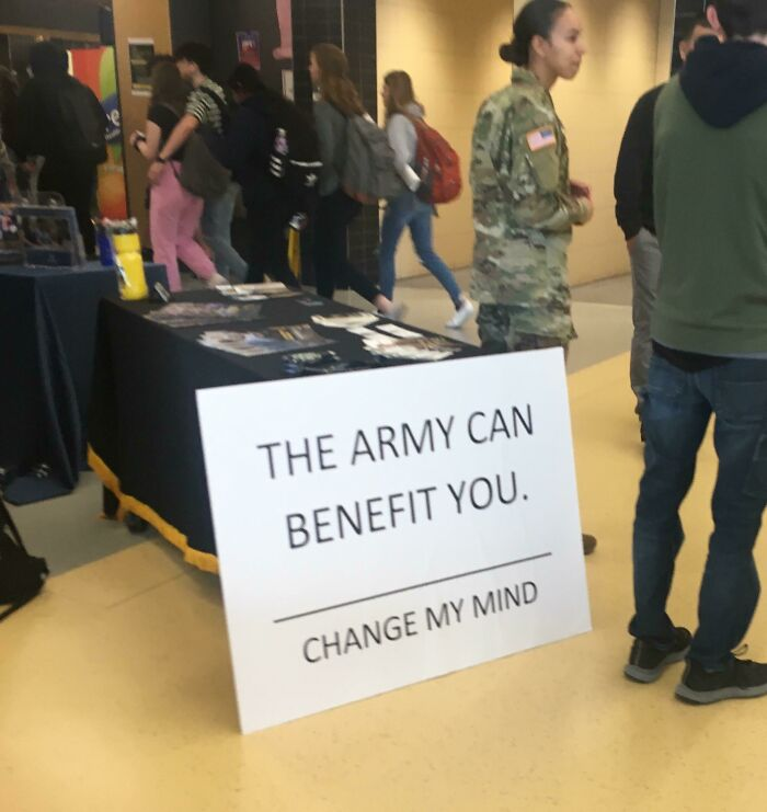 The Us Army Trying To Recruit People With Memes At My School