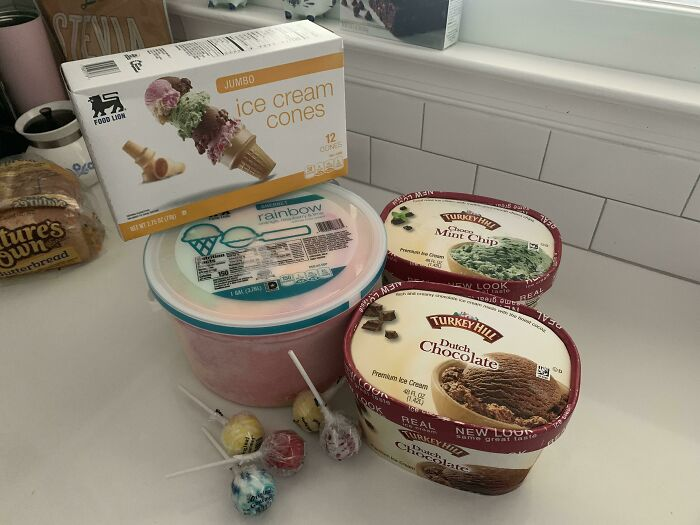 """My 39-Week Pregnant Wife Went To The Store To """"Get Stuff For Dinner"""". This Is What She Came Home With"""