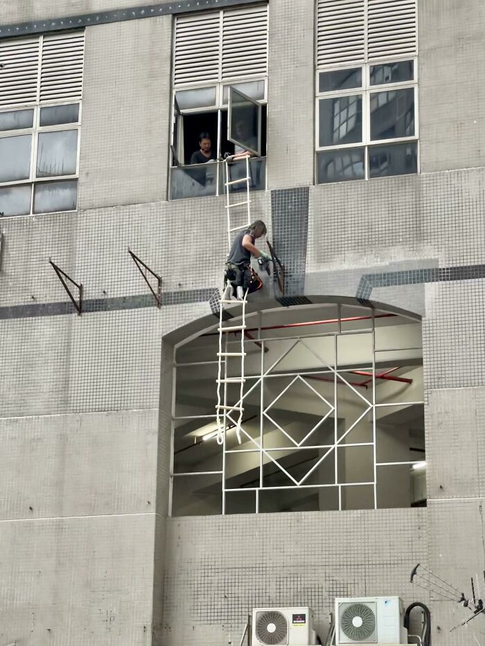 Who Needs A Scaffold When You Have A Rope Ladder