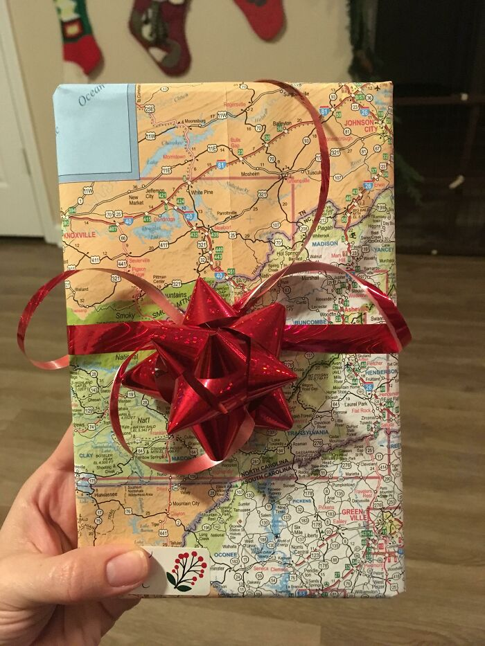 """I Work At A Travel Agency, And When We Have To """"Destroy"""" Our Outdated Maps, I Reuse Them As Wrapping Paper"""