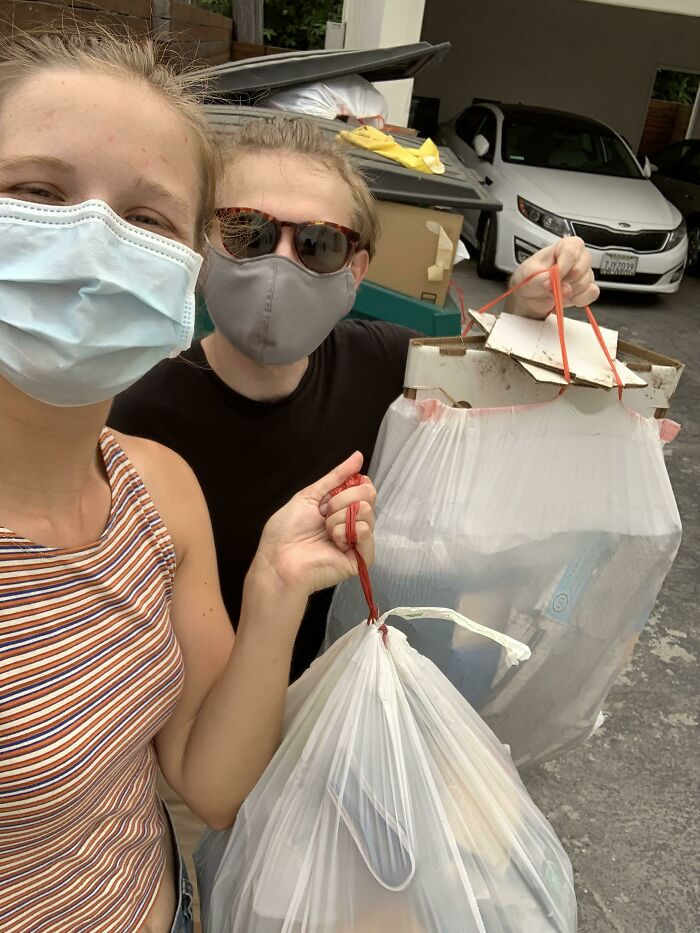 """A Friend And I Have Started Doing Weekly Trash Walks Around Our Neighborhood In La. This Week We Filled Two Whole Trash Bags Going Less Than Two Blocks. We're Hoping To Keep Growing Our Little """"Club"""" And Maybe Inspire Some Others To Start One Too!"""