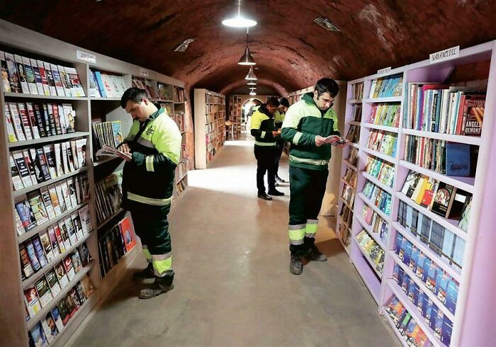Turkish Garbage Collectors Open A Library For All Of The Books Citizens Discard In Their Trash