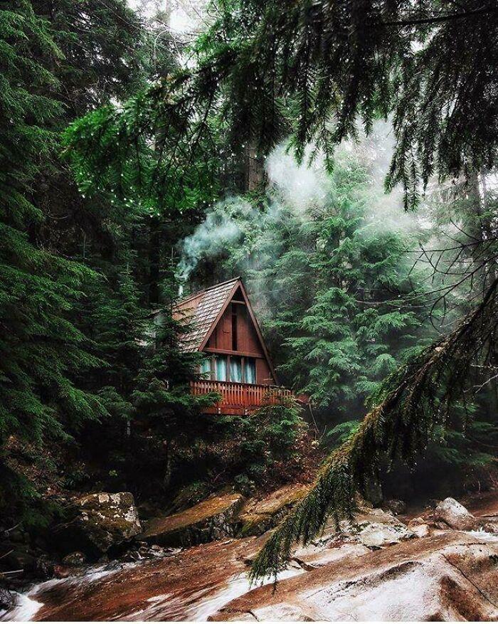 Beautiful Cabin In Franklin Falls Trail In Washington State