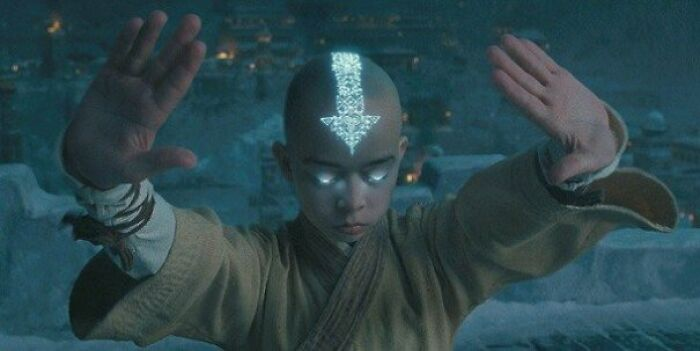 """Actor Noah Ringer Hated Filming """"The Last Airbender"""" So Much That He Tattooed A Huge Downvote On His Head To Symbolize How Much This Movie Sucked"""
